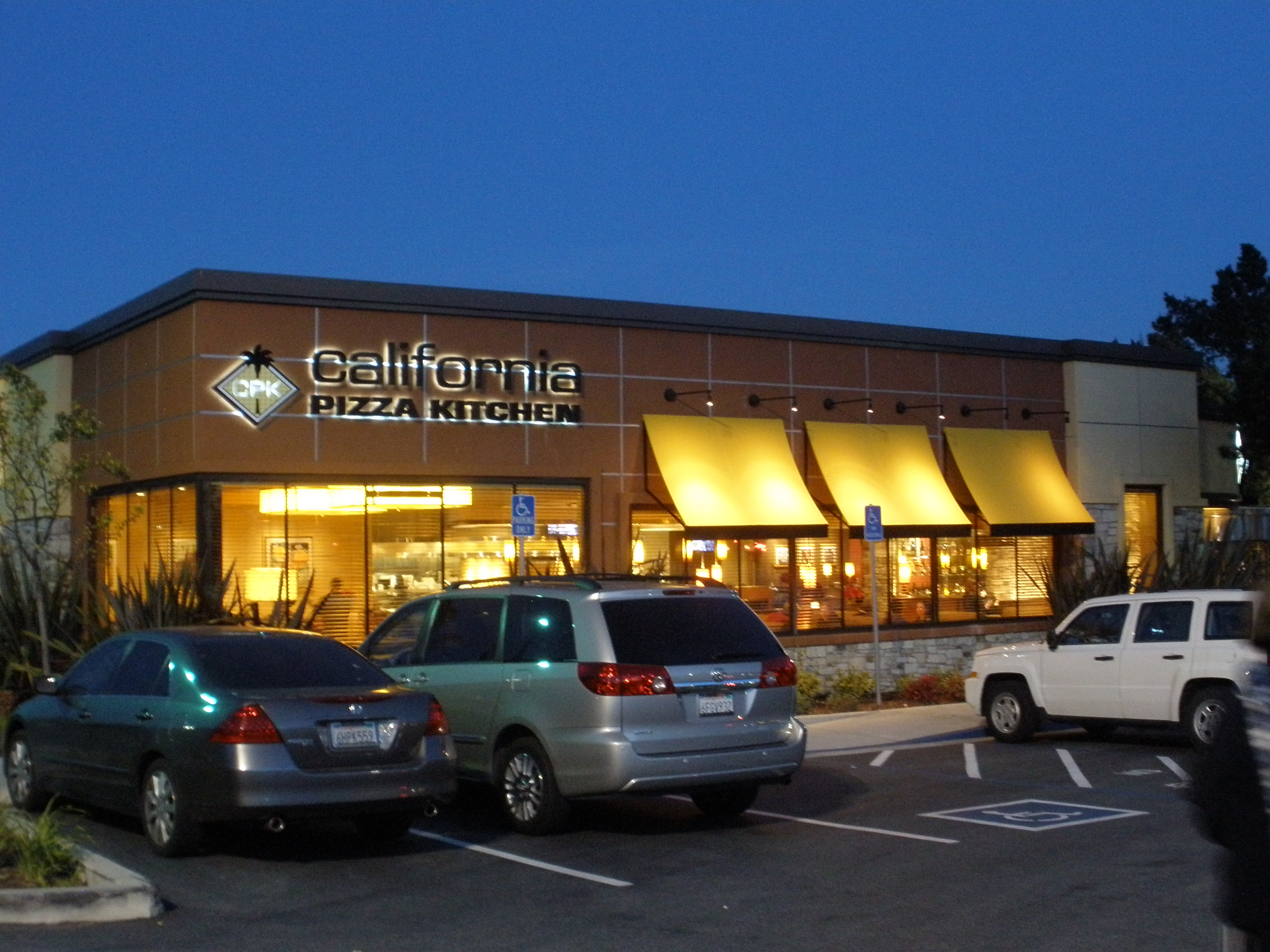 California Pizza Kitchen Hours On Christmas Eve
