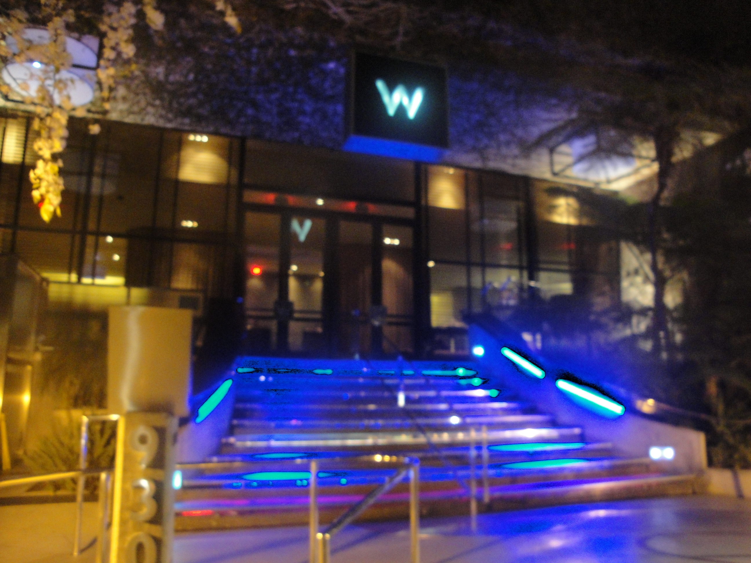 One Restaurant That Fits The Mold Of Trendy And Hip, But Yet Having A  Reputation For Good Food Is The NineThirty Located Inside The W Hotel In  Westwood.